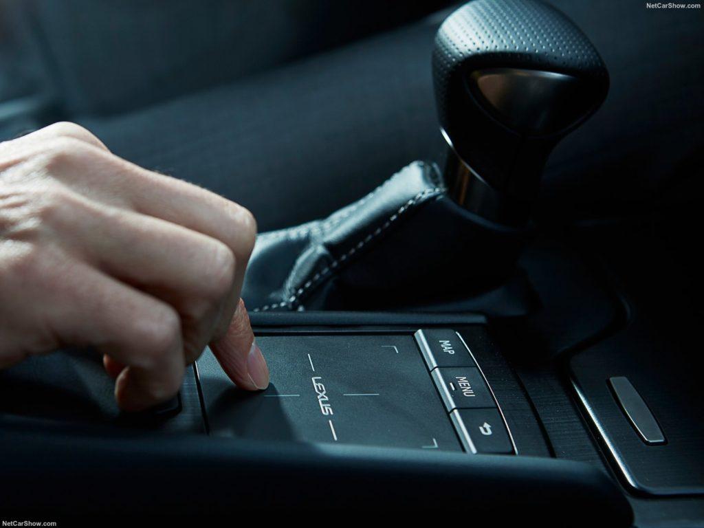 Lexus ES 300h 11
