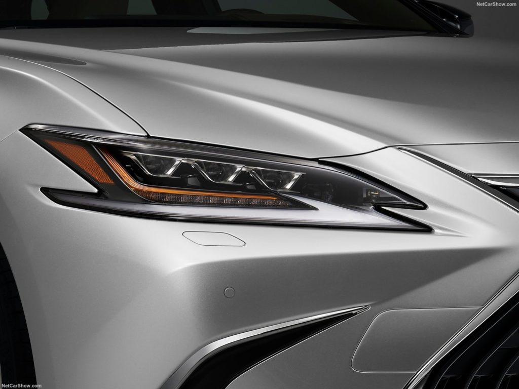 Lexus ES 300h 12