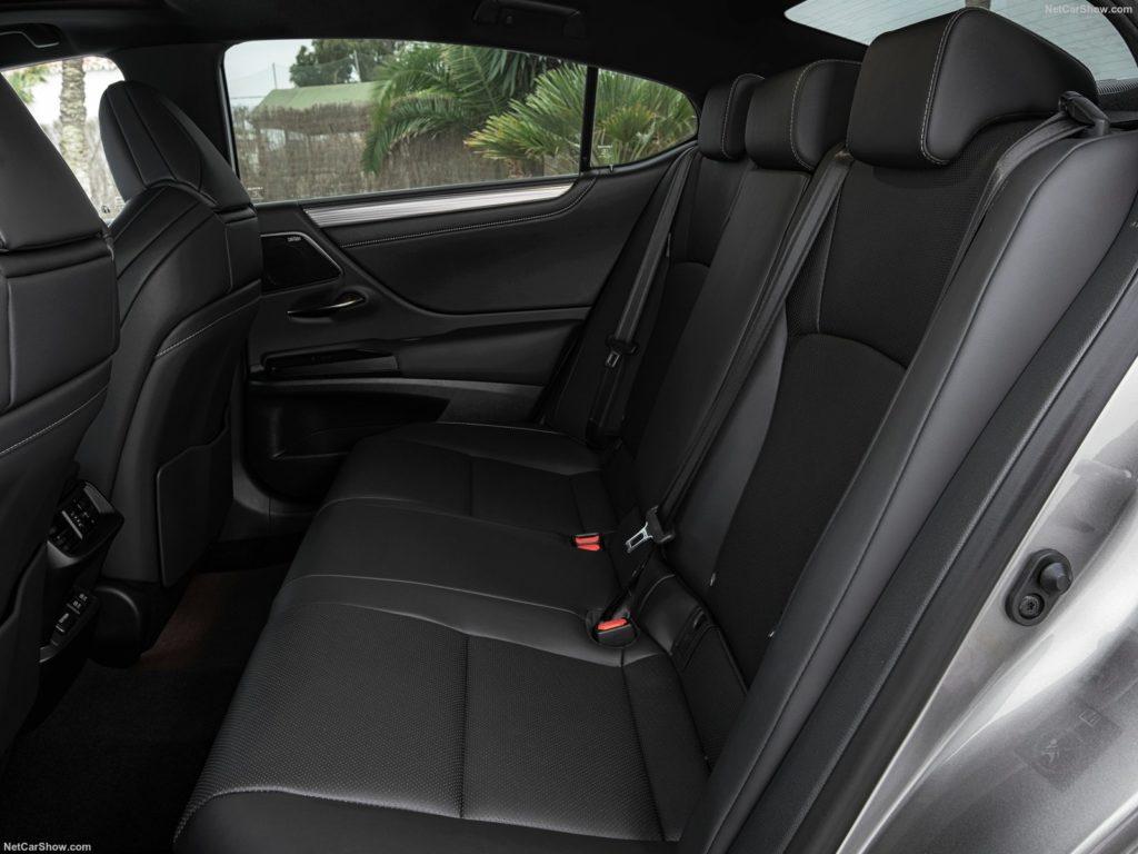 Lexus ES 300h 13