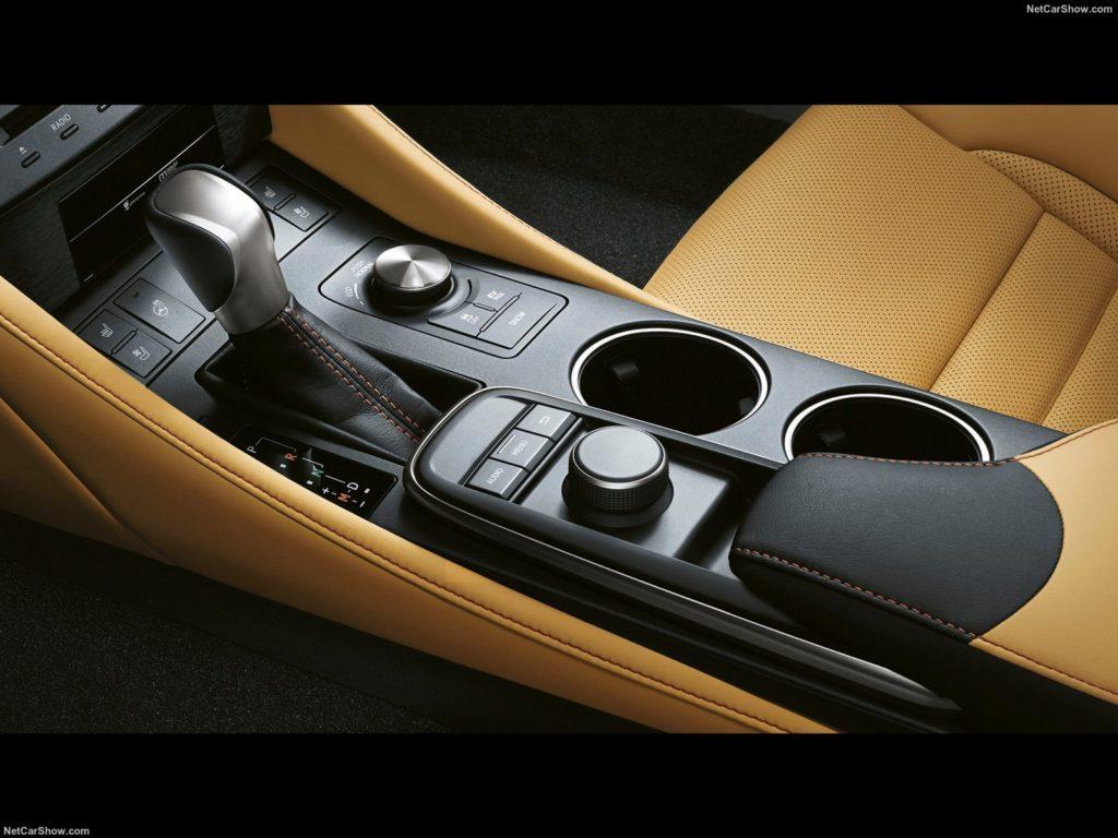 Lexus RC 300h 7