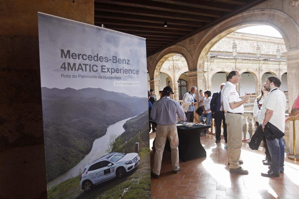 Mercedes Benz 4MATIC Experience 2014 120
