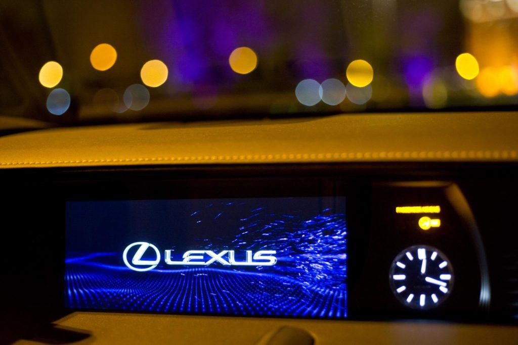 Lexus LC500h 24