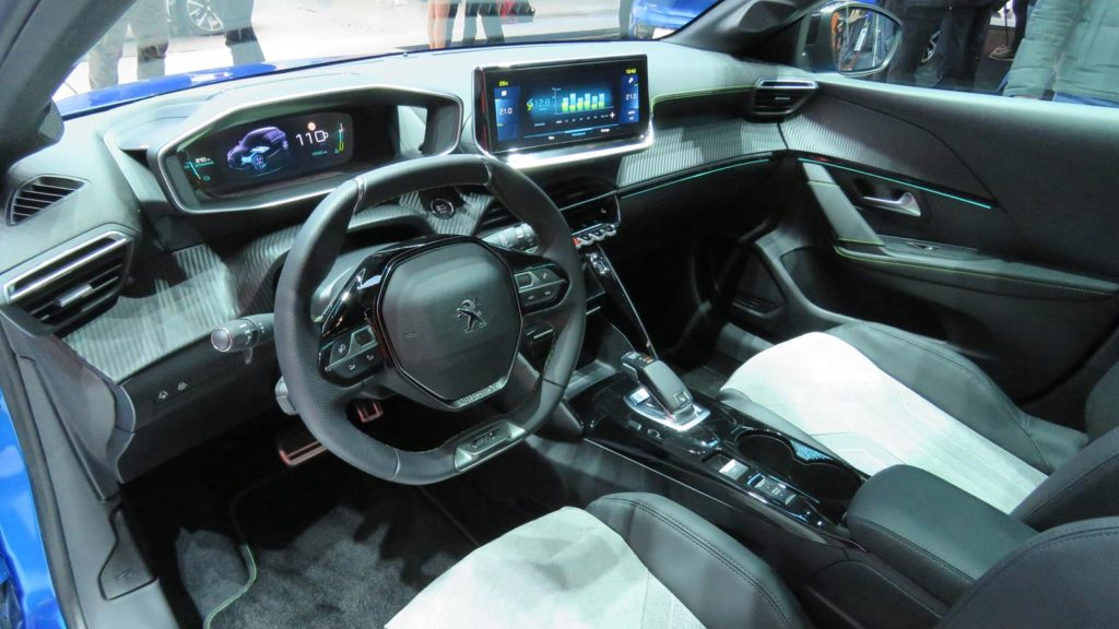 Peugeot 208 Genebra 2018 8