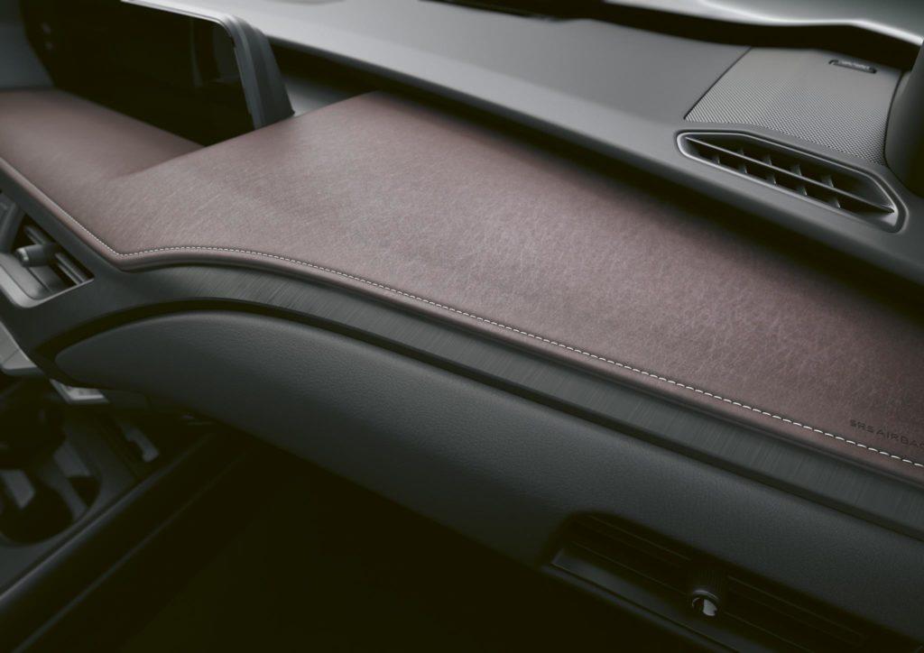 Lexus UX 250h 2