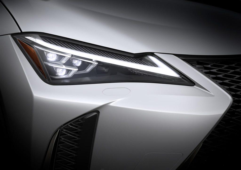 Lexus UX 250h 8