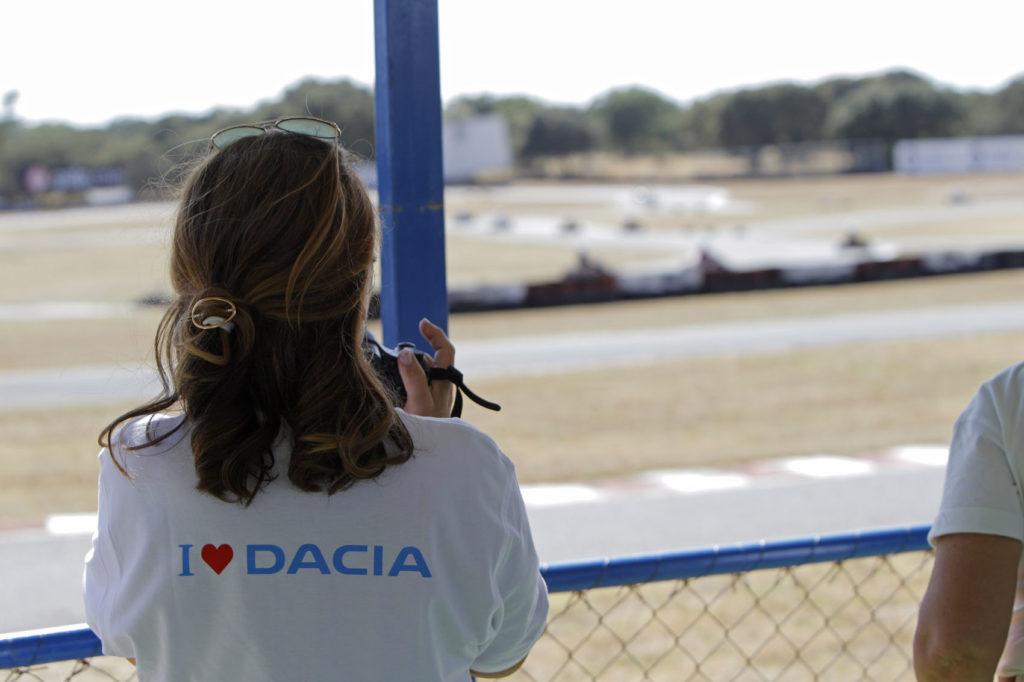 Aventura Dacia 4x2 2019 21