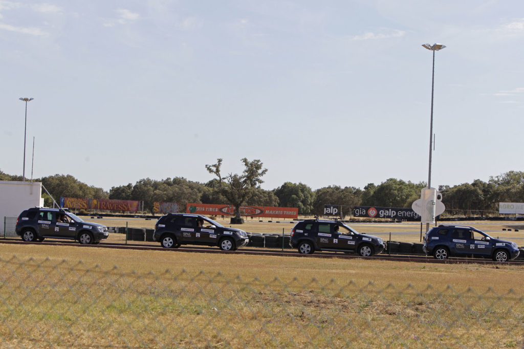 Aventura Dacia 4x2 2019 28