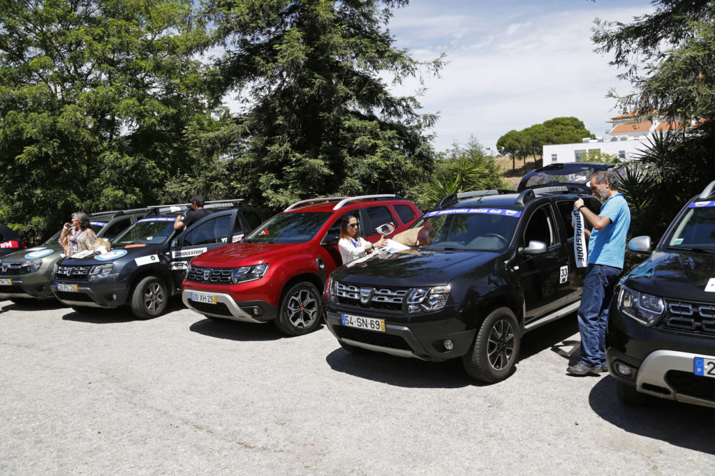 Aventura Dacia 4x2 2019 3