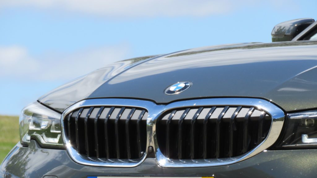 BMW 320d berlina 77