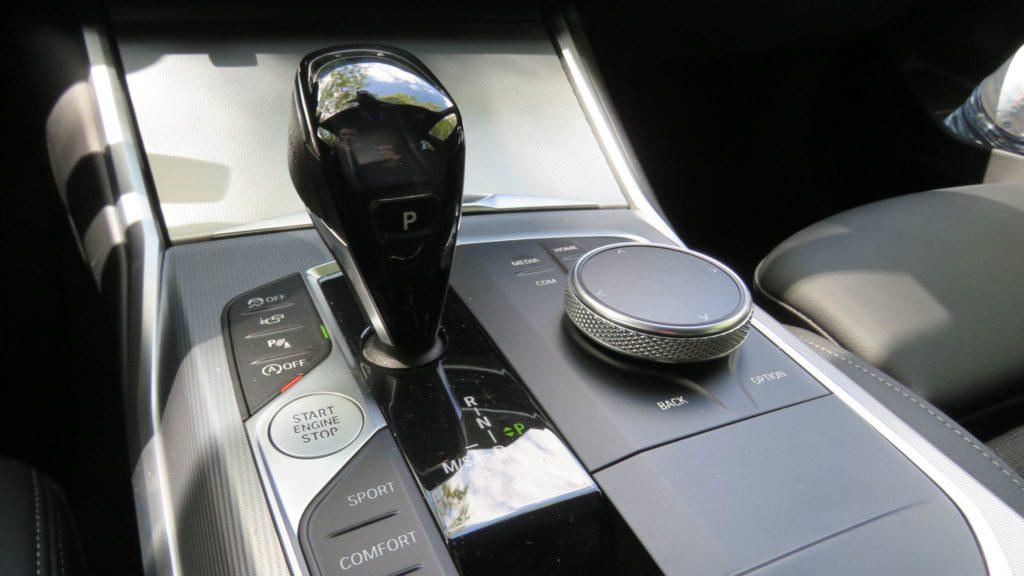BMW 320d berlina 84