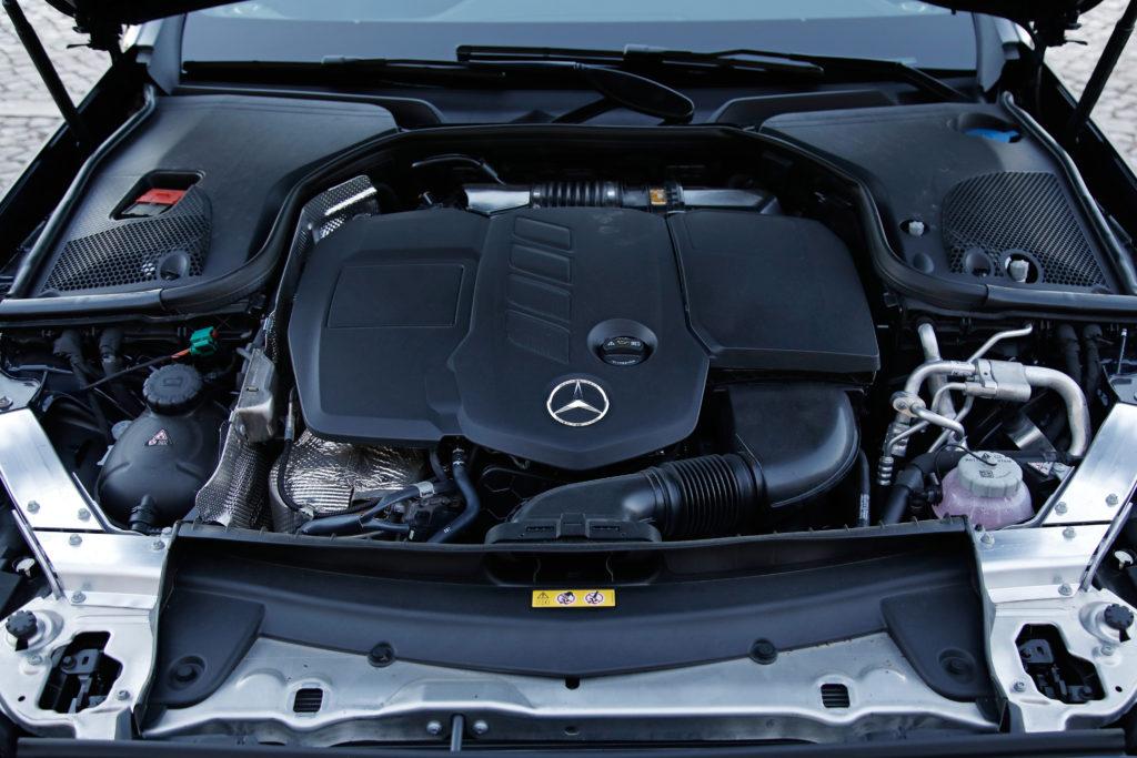 Mercedes Benz E300de 23