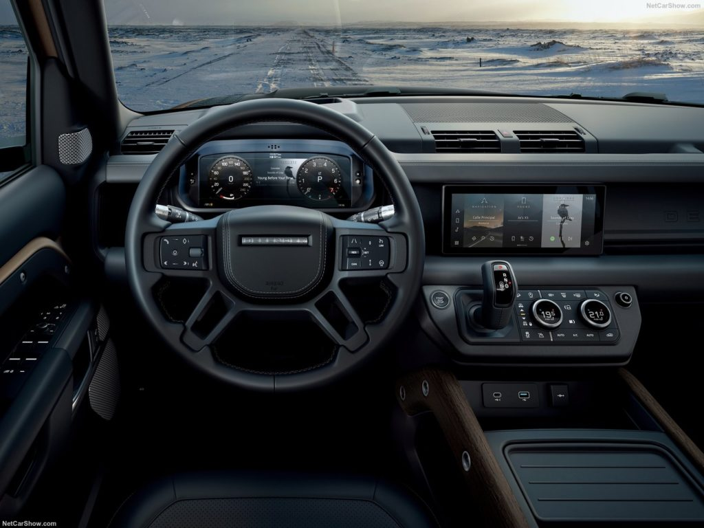 Land Rover Defender 1