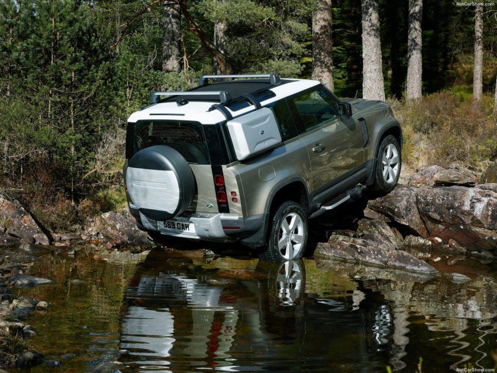 Land Rover Defender 90 2