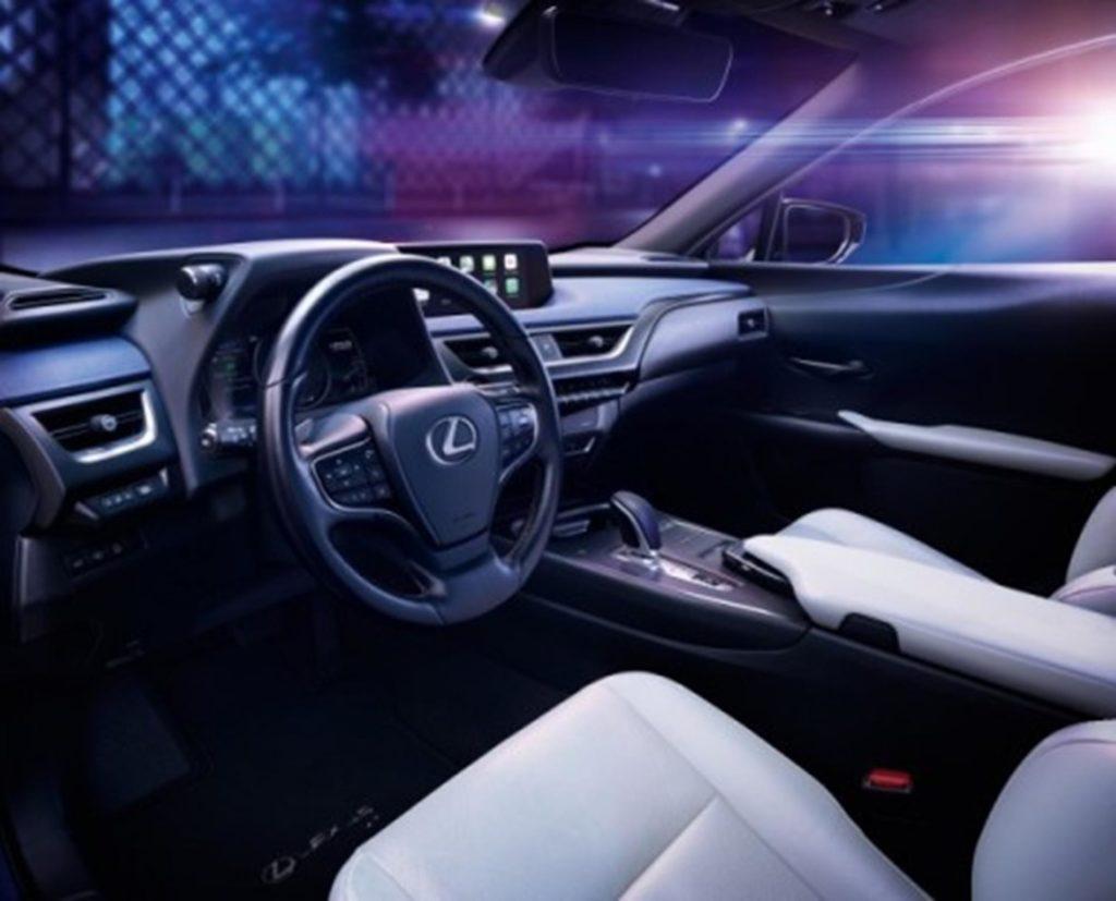 Lexus UX 300e 1