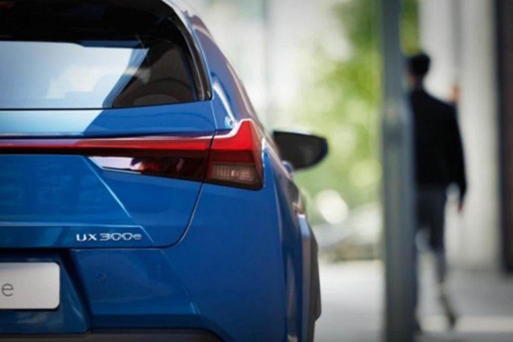 Lexus UX 300e 5