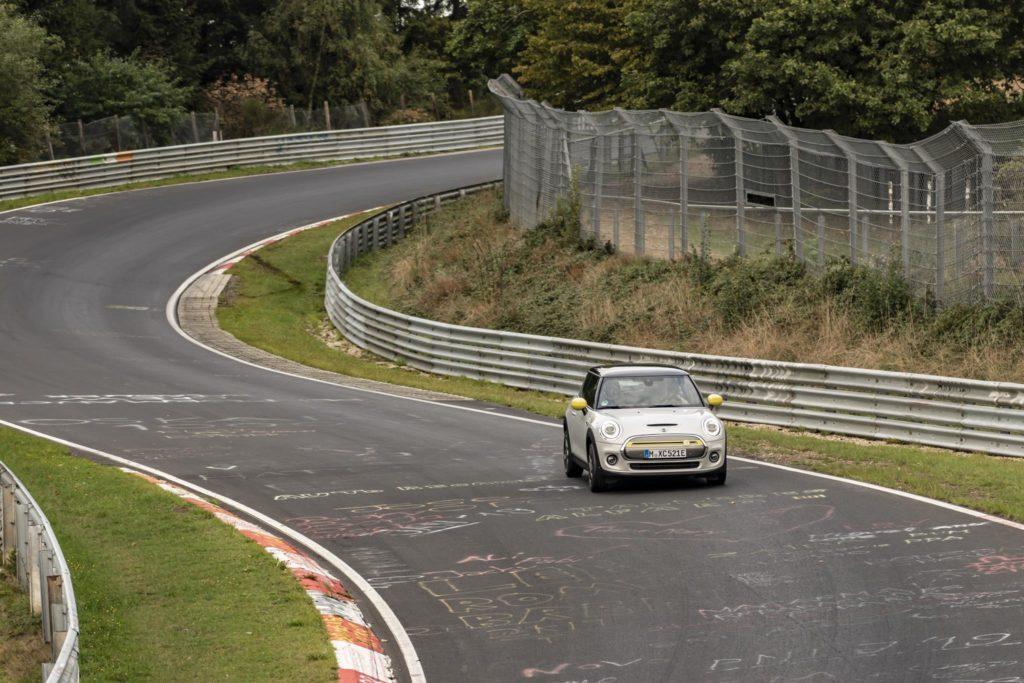 MINI Cooper SE Nurburgring 3