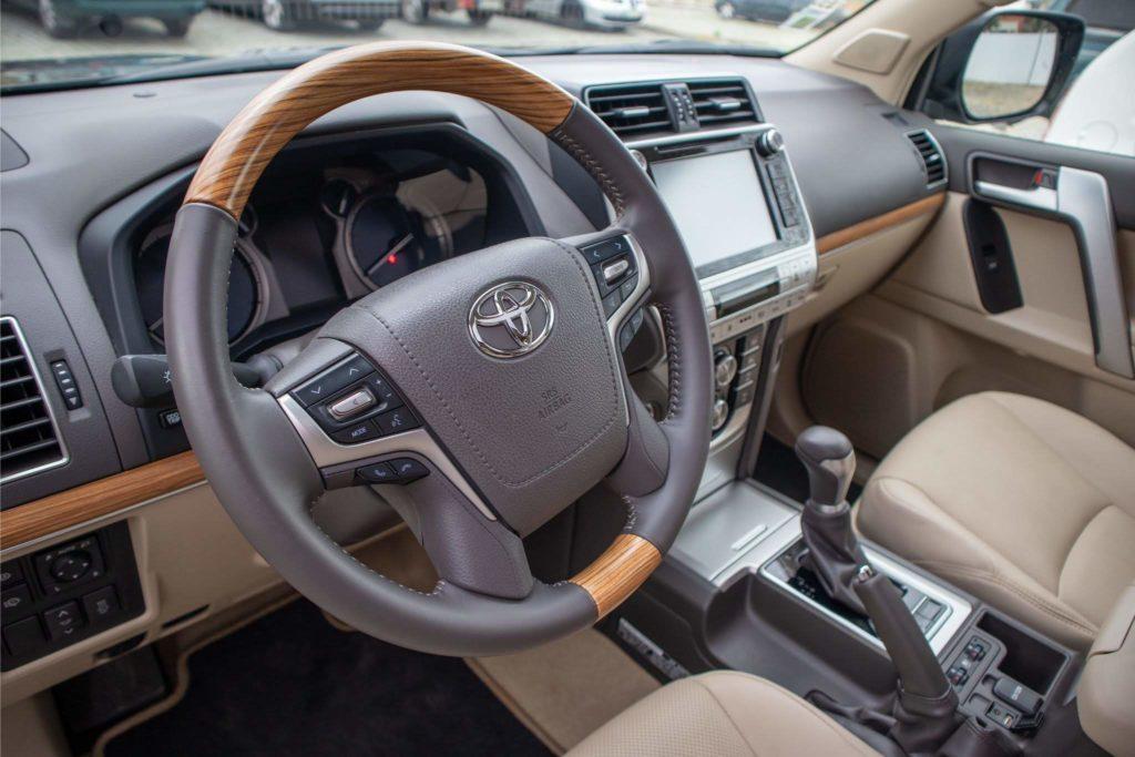 ToyotaLandCruiser150 174