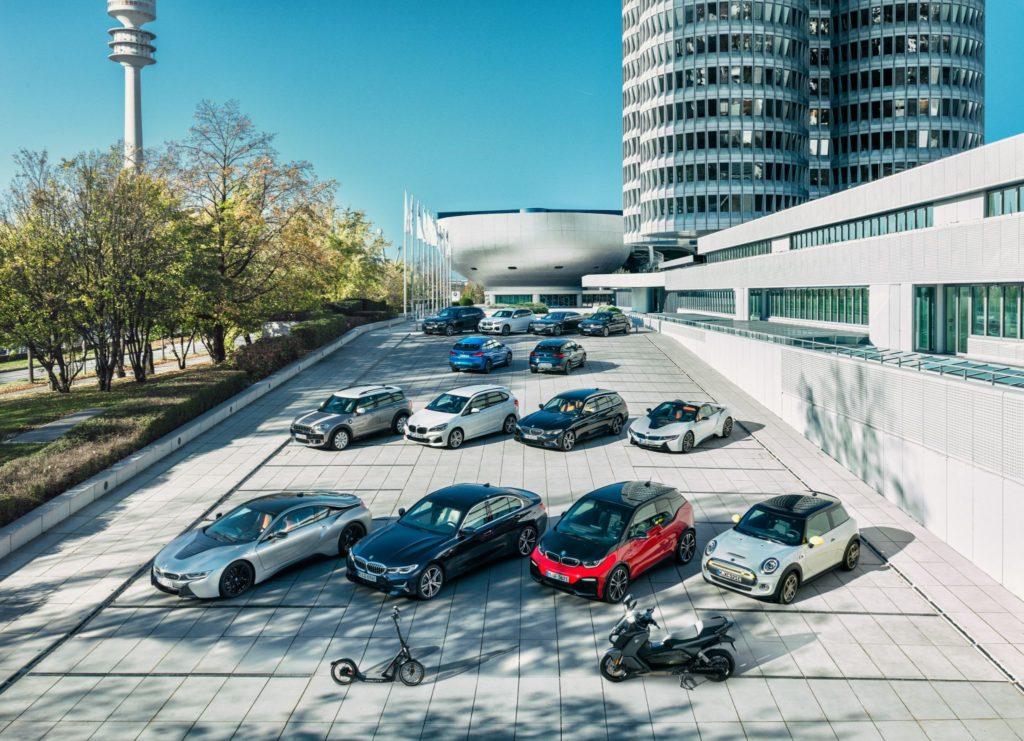 Vista aérea dos modelos do grupo BMW eletrificados
