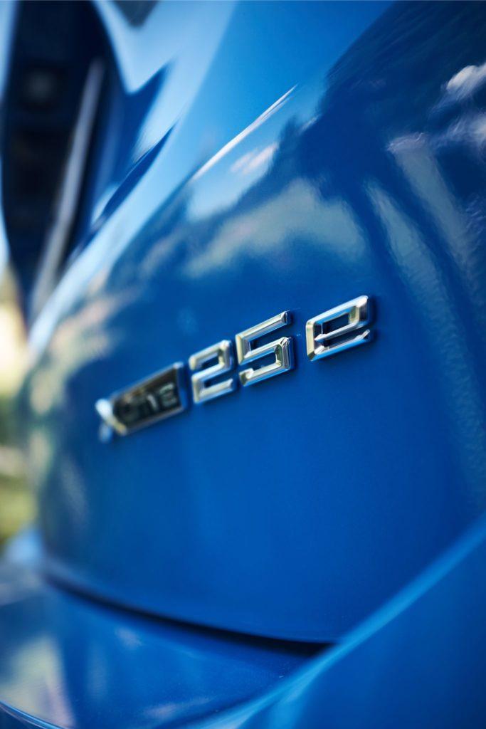 Badge BMW xDrive25e