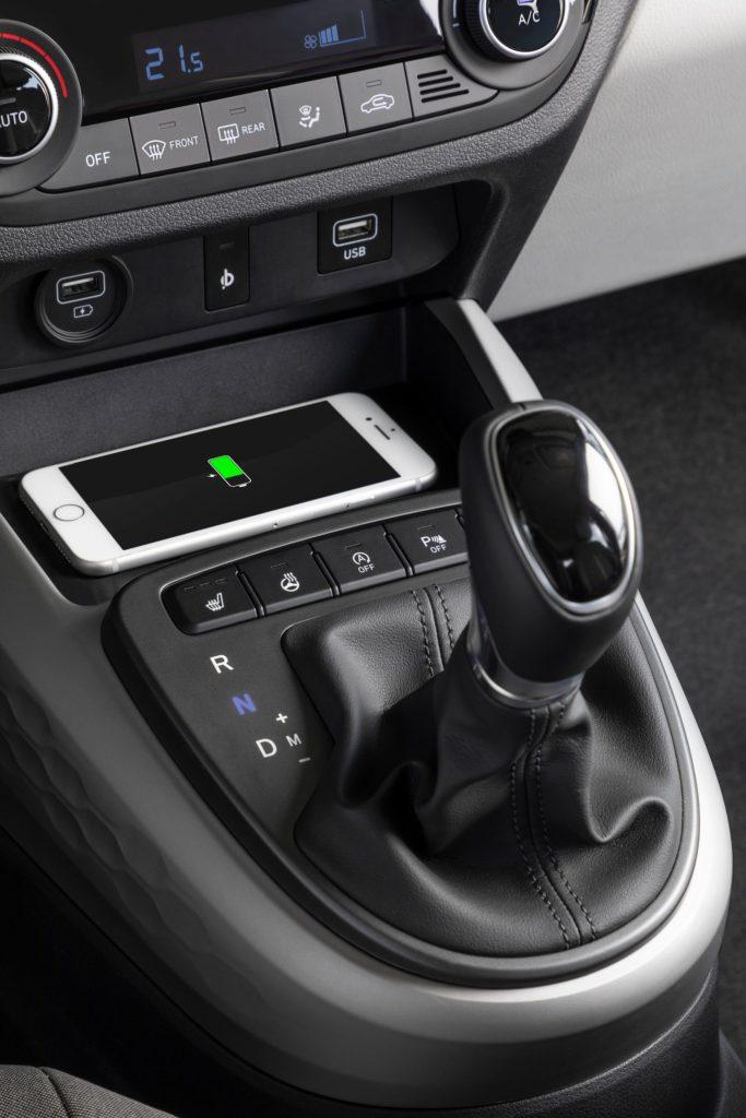 Hyundai i10 consola central