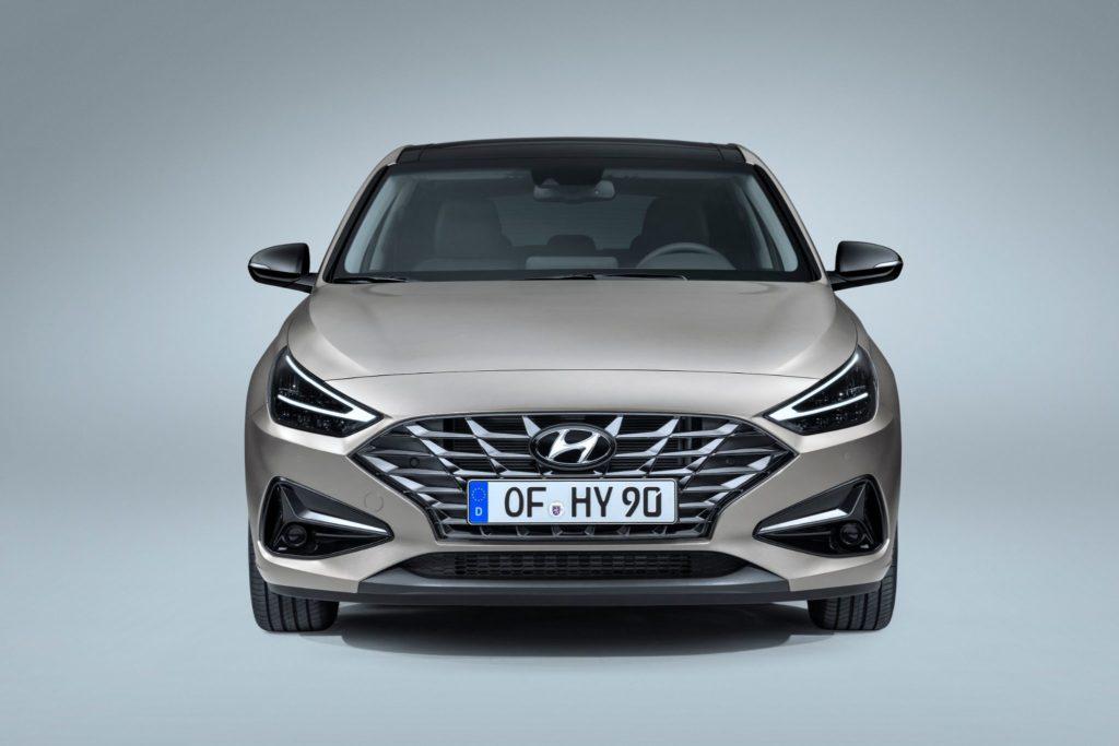 Hyundai i30 visto de frente