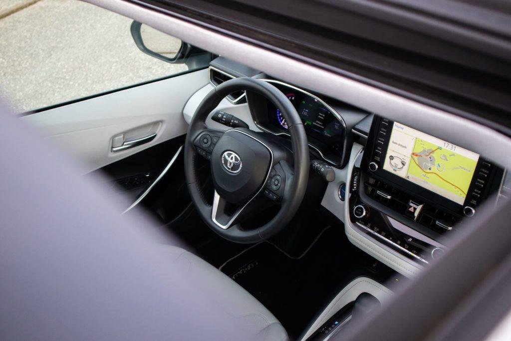 Toyota Corolla Hybrid 002