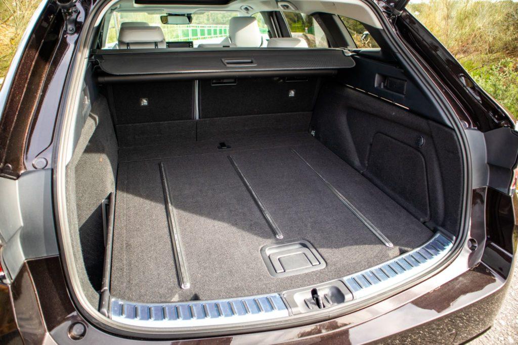 Toyota Corolla Hybrid 024