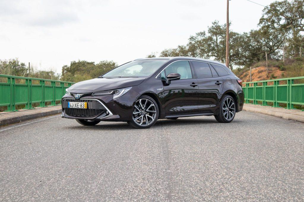Toyota Corolla Hybrid essilor
