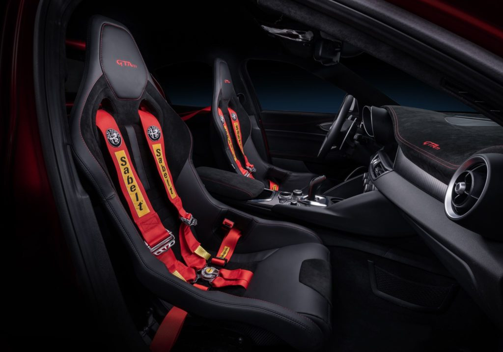 Alfa Romeo Giulia GTA 6
