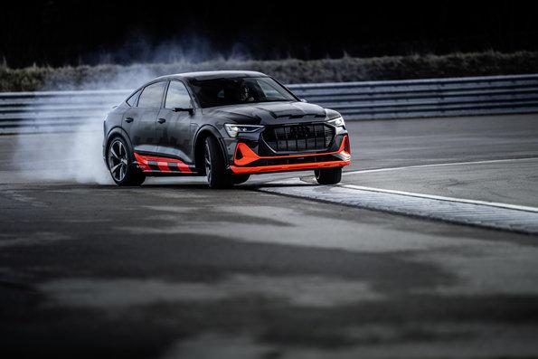 Audi e tron S 2