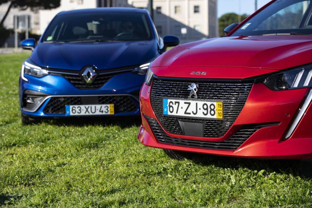 Renault Clio vs Peugeot 208 10