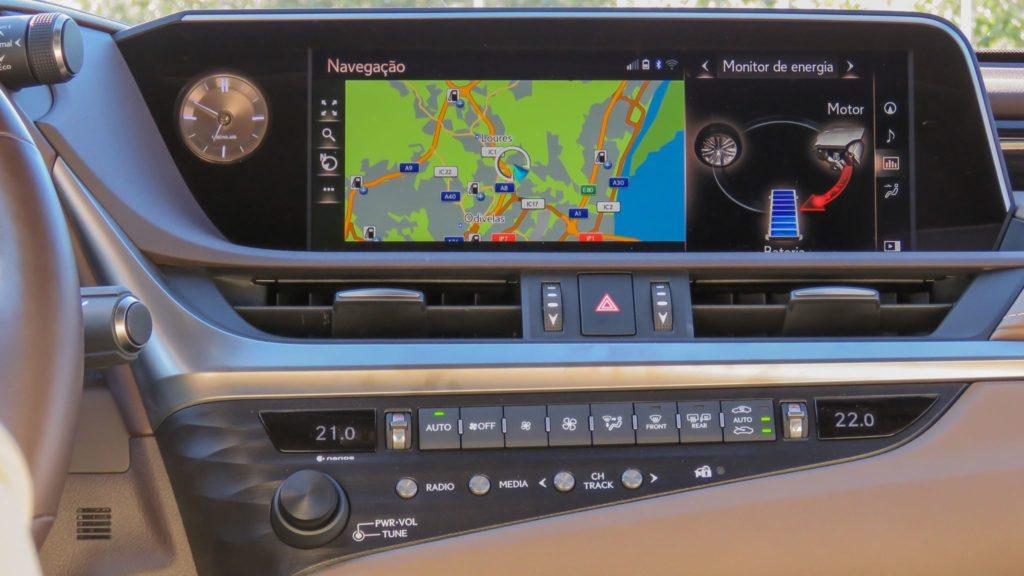 Lexus ES 300h Luxury 10