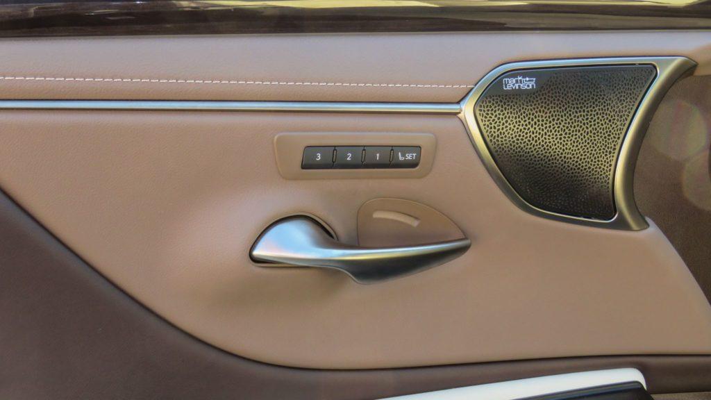 Lexus ES 300h Luxury 2