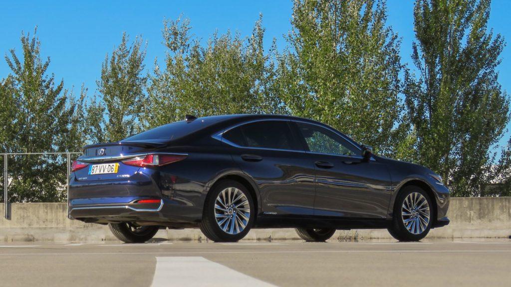 Lexus ES 300h Luxury 5