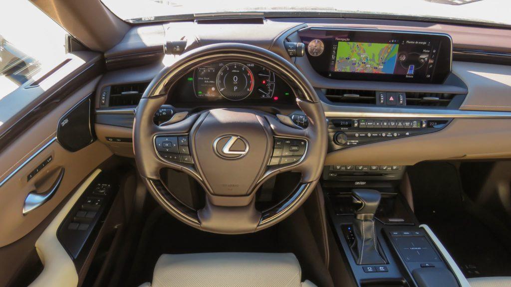 Lexus ES 300h Luxury 9