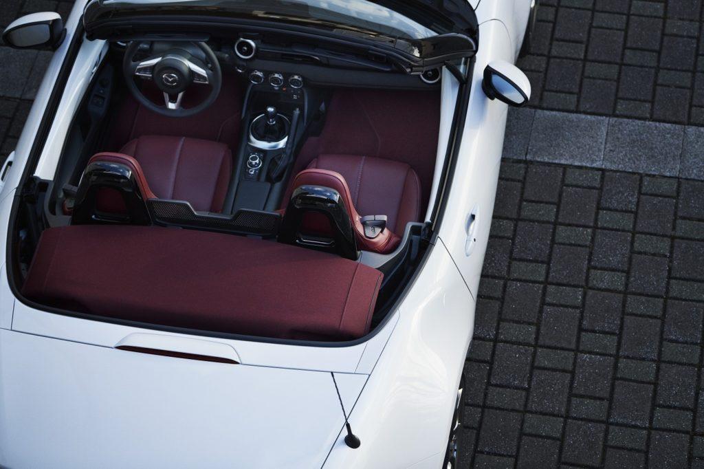 Mazda Edição Especial 100º aniversário 6