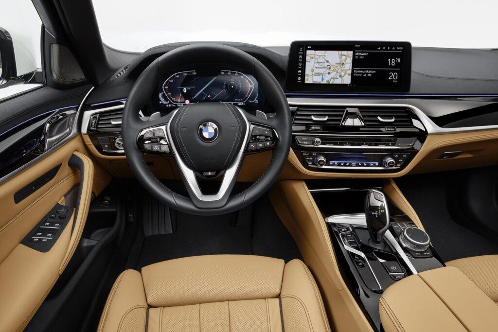 BMW 540i sed interior