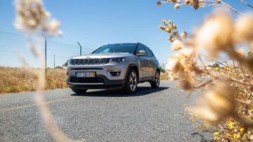 Jeep Compass Limited capa