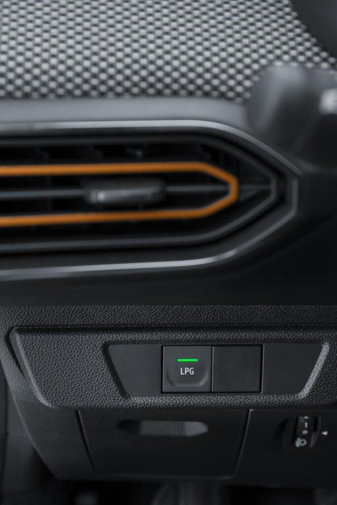Dacia Sandero Stepway 2020 11