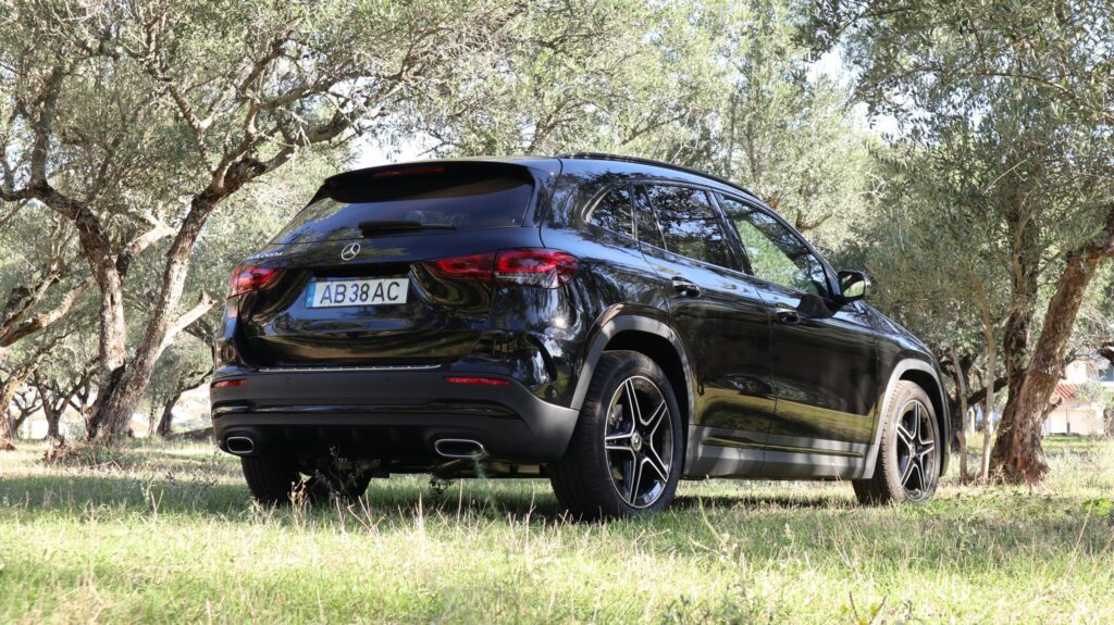 Mercedes Benz GLA 200 d 28