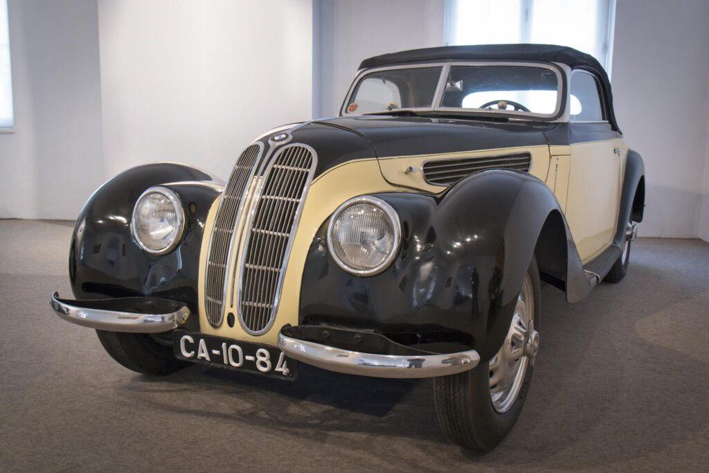 BMW 327 Cabrio no Museu do Caramulo 2