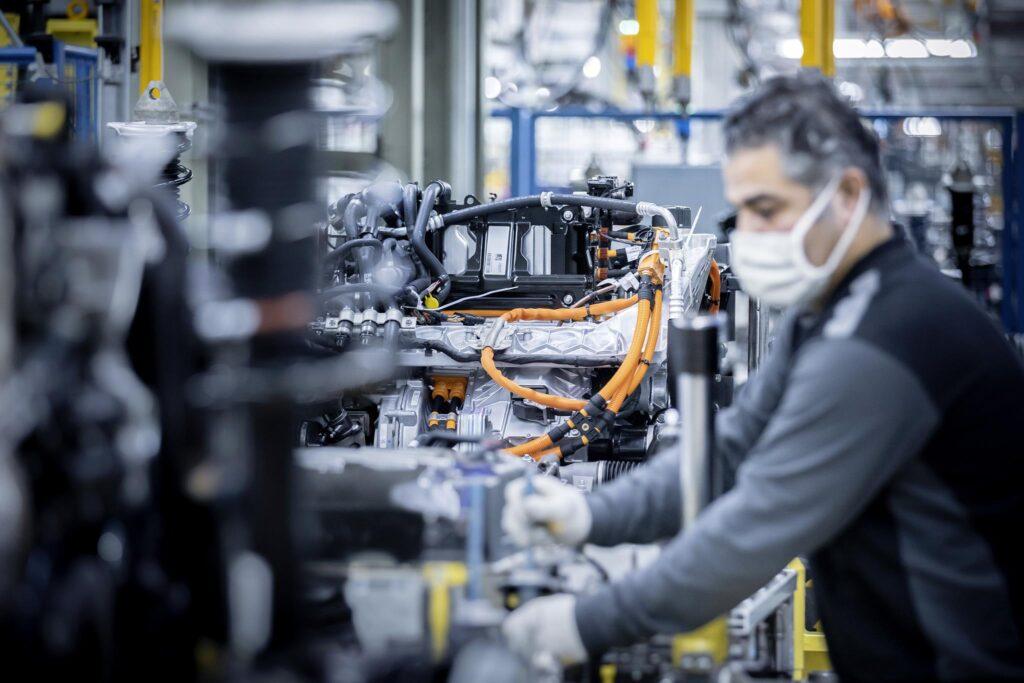 Mercedes EQ factory 3