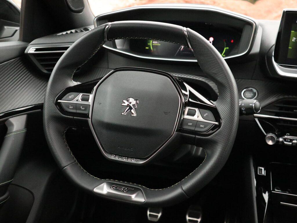 Peugeot 2008 Puretech GT Line 56
