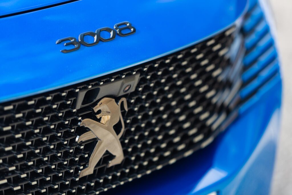 Peugeot 3008 HYbrid 2020 4