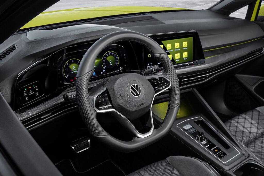 VW Golf Variant pode estacionar sozinho 1