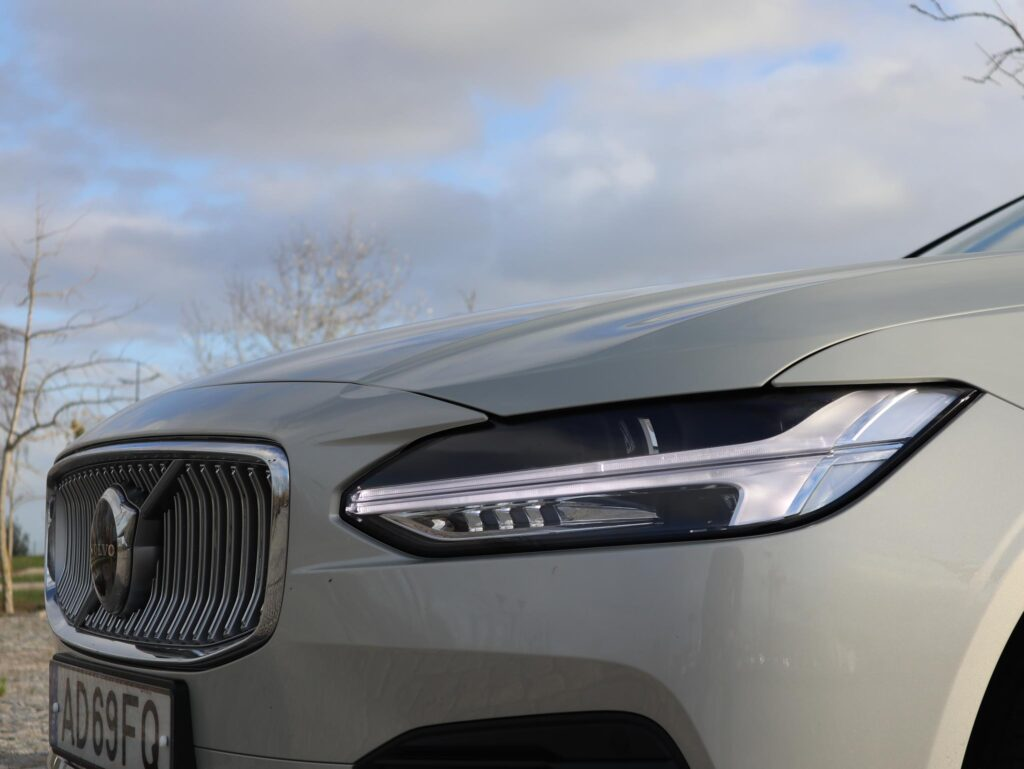 Volvo V90 T6 Recharge 10