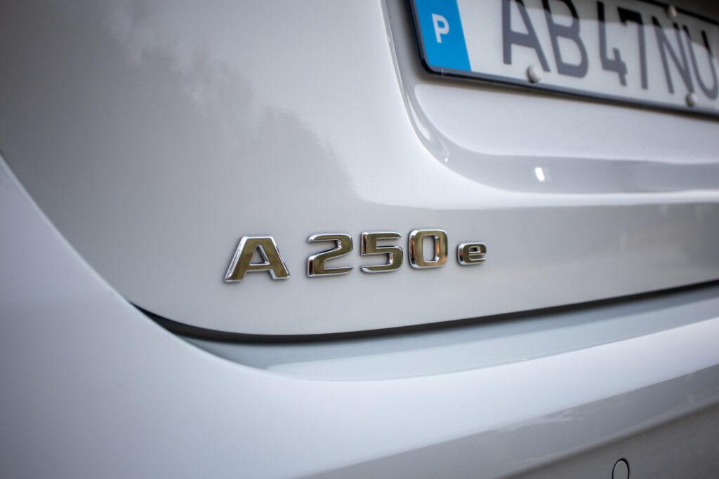 Mercedes Benz A250e 127