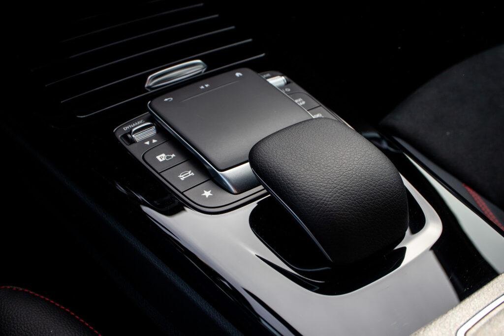 Mercedes Benz A250e 40