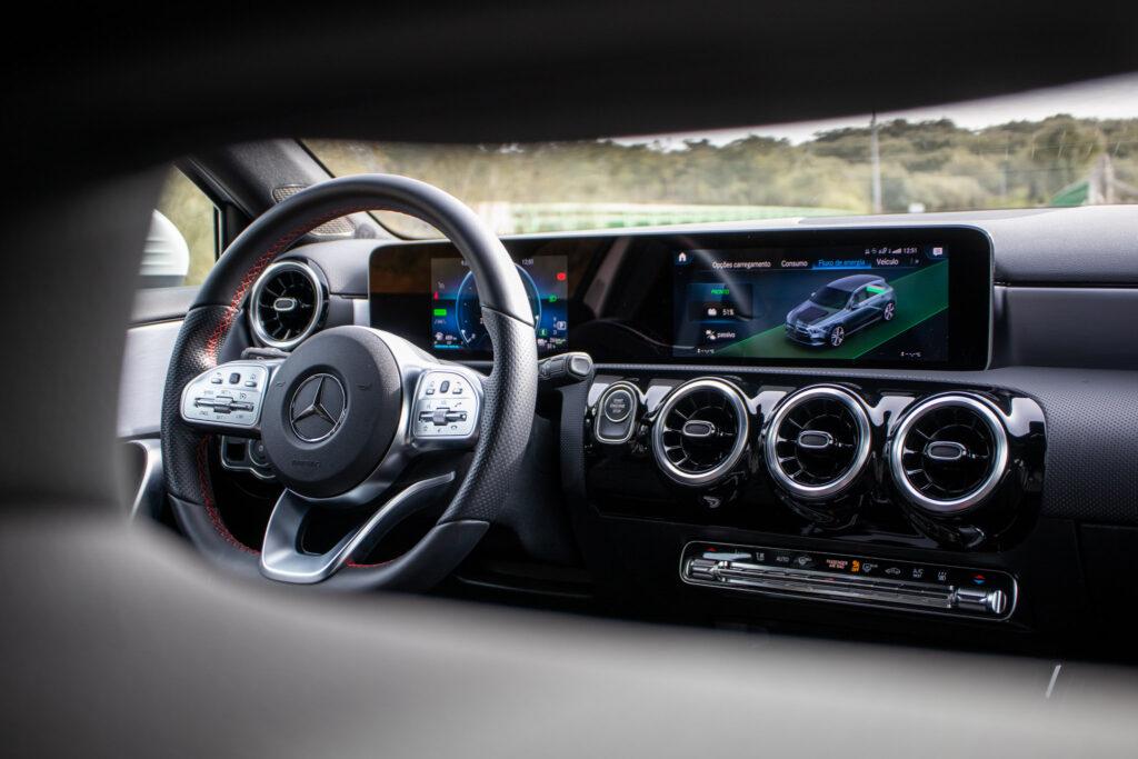 Mercedes Benz A250e 92