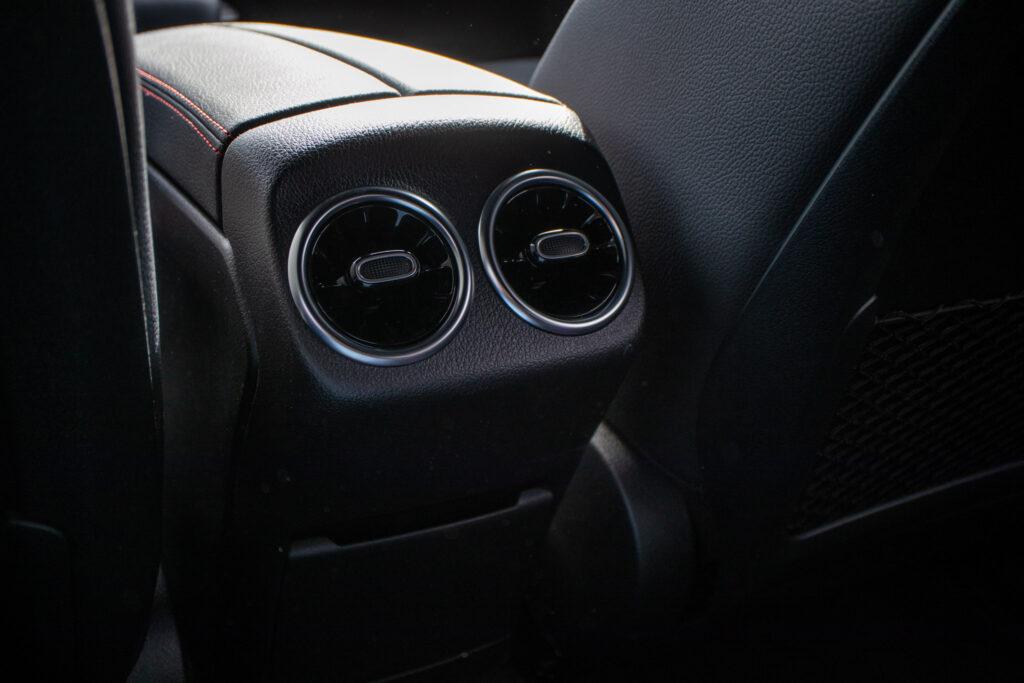Mercedes Benz A250e 95